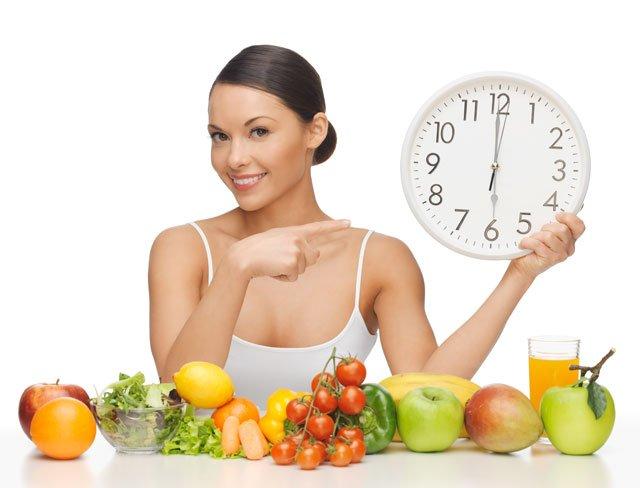 Coma devagar e quatro vezes ao dia ajuda você a ficar magro