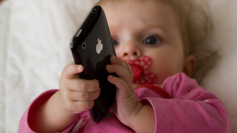 10 reasons why children should not use portable electronics before 12 years old