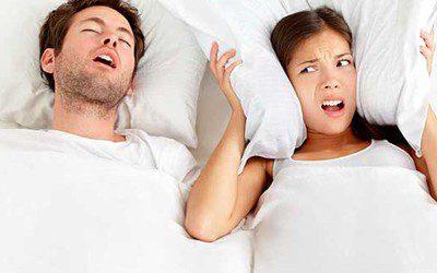 Posiciones perfectas para dormir y corregir problemas corporales