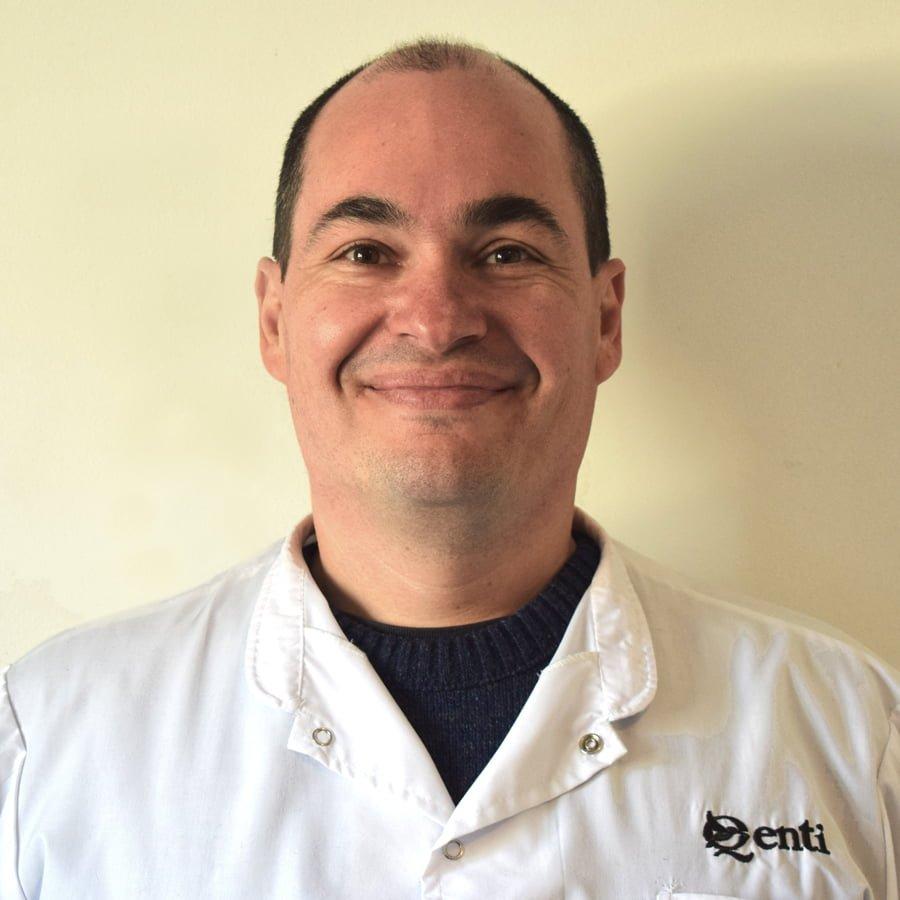 Dr. Christian Alberto Leiva - Médico Cirujano - MP. 31.209/1